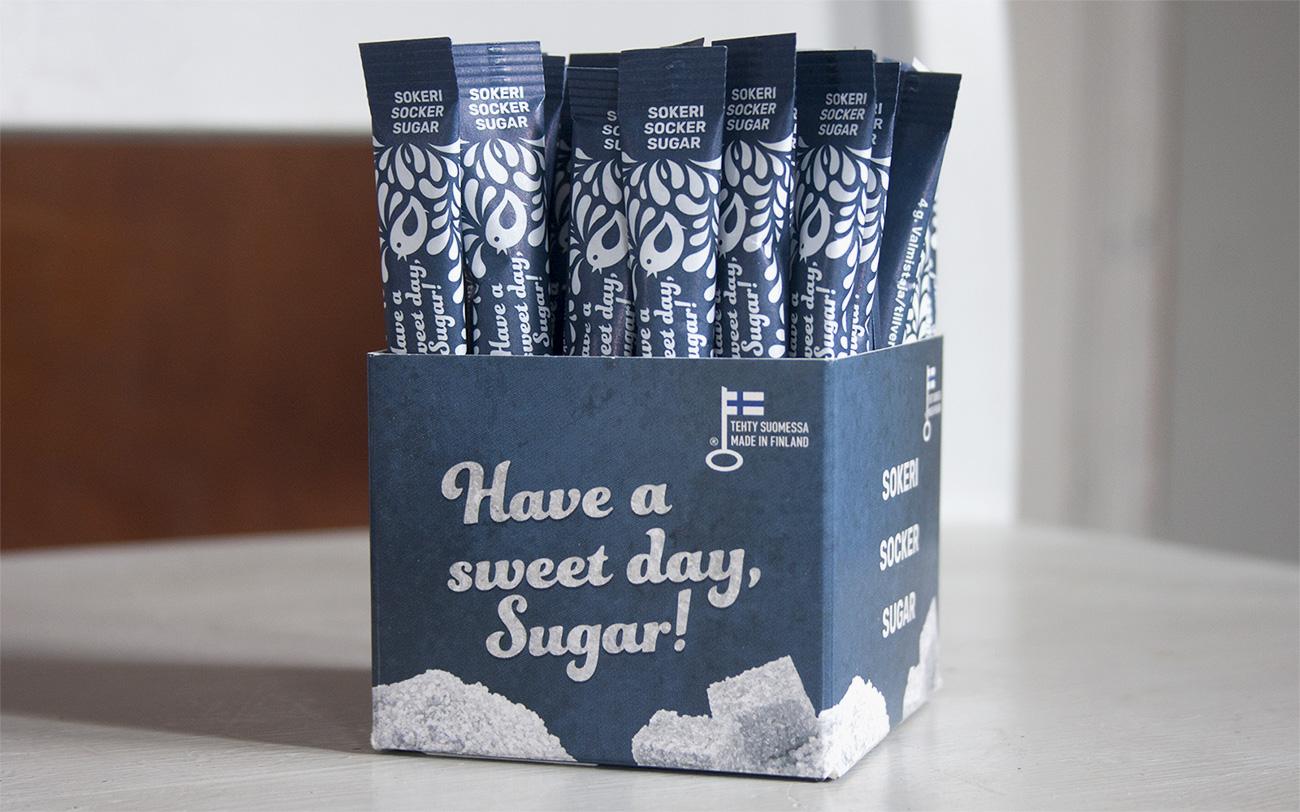 pakkaussuunnittelu sokeristickit ja rasia